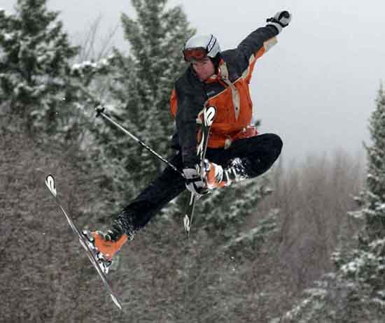 Sweet Critical Grab at Ski Test 2003