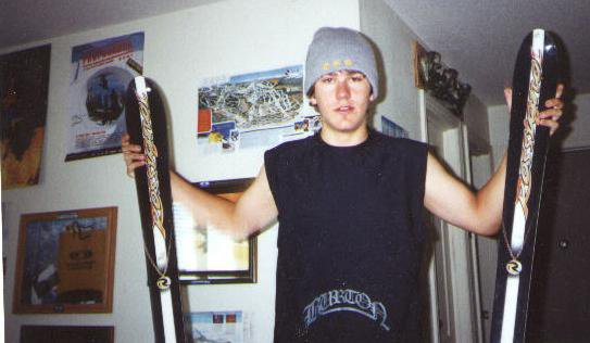 me chillin wit my skis