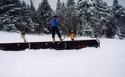 Yeah everyone is sick of this rail but its a solid picture