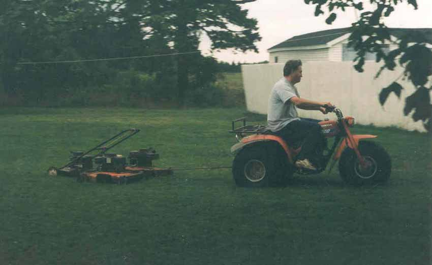 Hey ma, look at my ryde-a-mower!