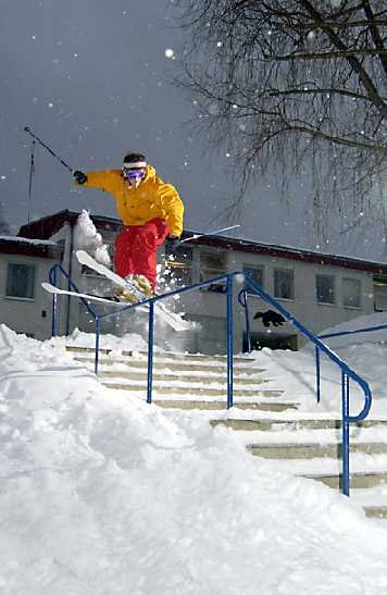 Doubble kinked urban for ski magazine
