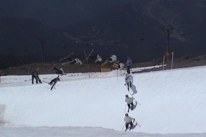 Flat spin in the public pipe (doesn't look like one, but it is)