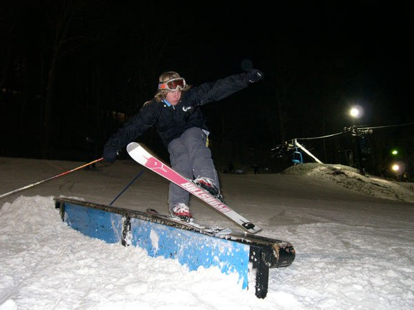 Richie trying a soul grind on skis