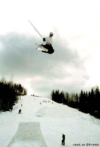 Air in corner 2001