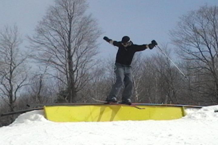 railslide small X rail