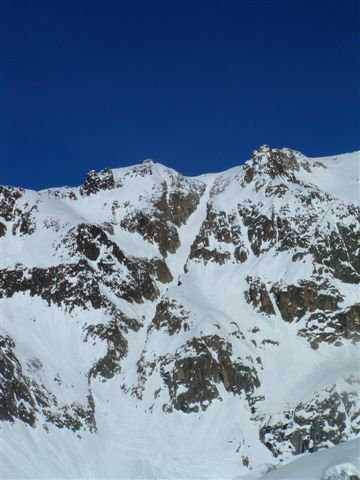 Good ski down this couloir (45deg, 400m vert) viewed from nant blanc glacier
