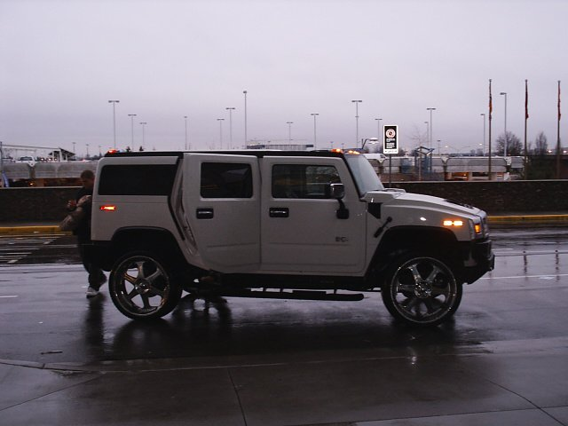 Hummer H2 on 26s. Looks fucking ridiculous