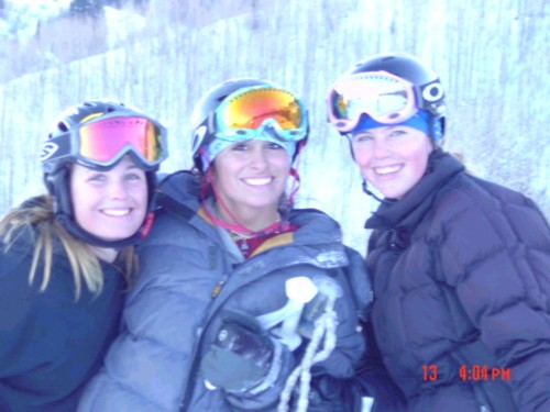 two of the coolest skier girls
