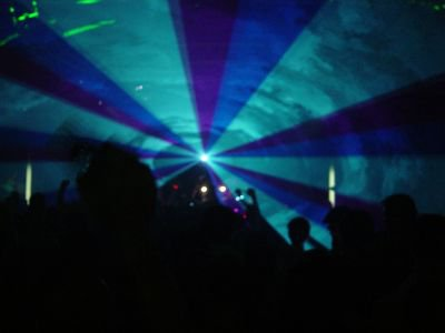 FOOOKIN sick laser at a techno party