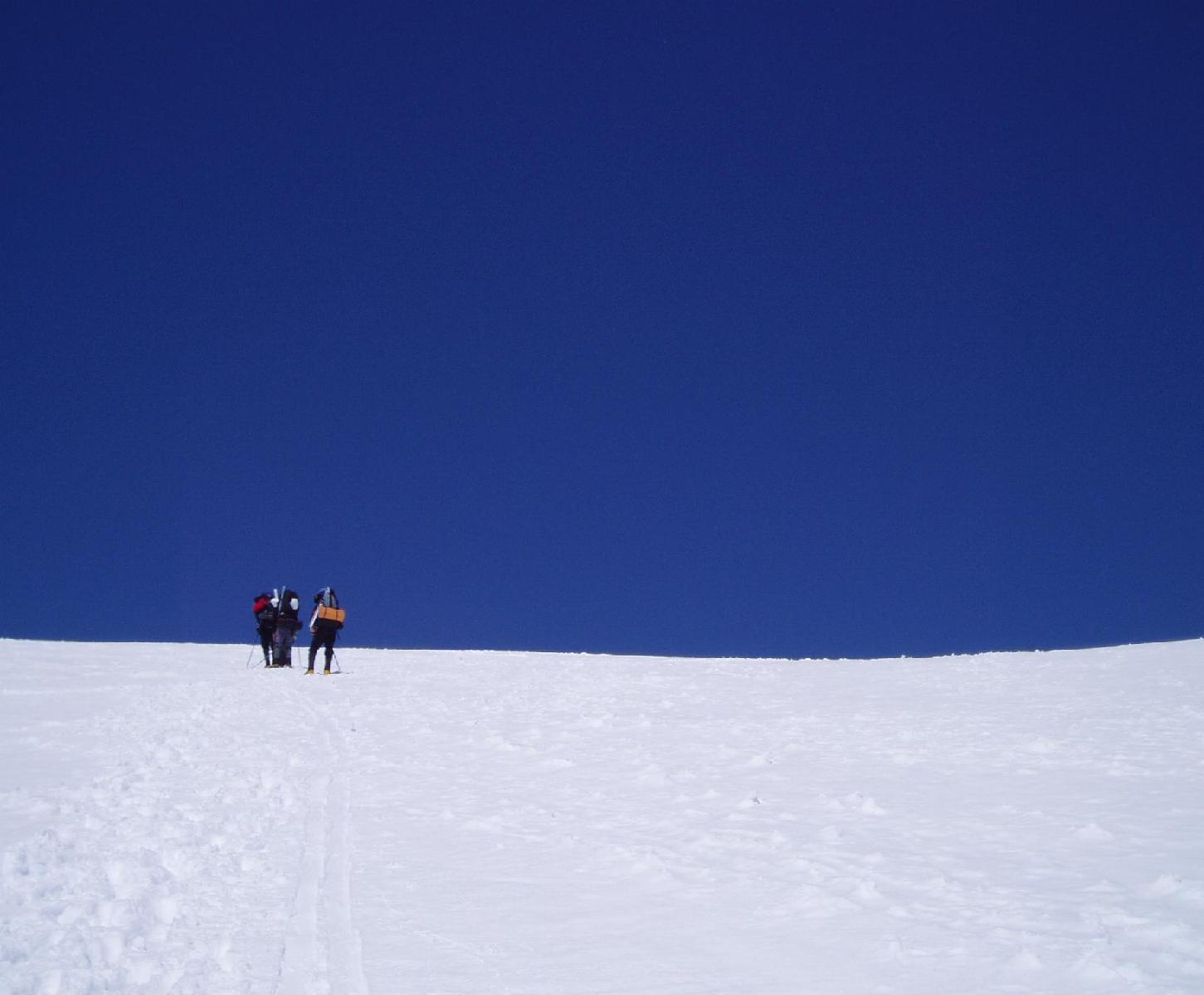 Approaching Camp Muir