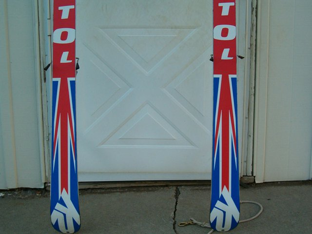 Skis, for thread 4