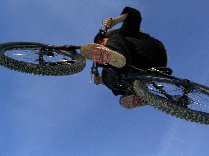 Dirtjumping on MTB (Sweet angle)