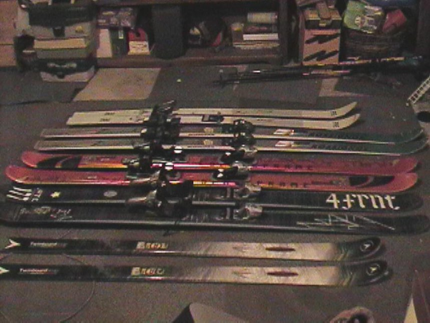 skis 1