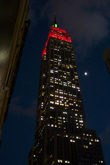 empire state building @ nite w/ moon