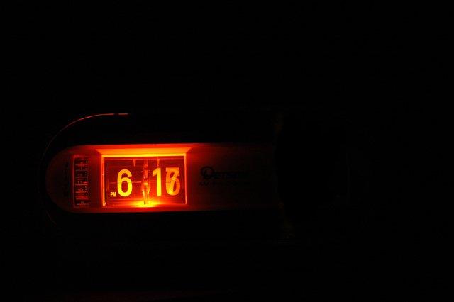 retro clock, long shutter