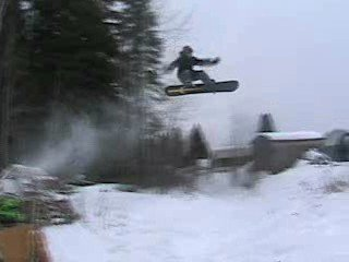 i know its a snow boarder but everyone was too lazy to pick up the camcoder when i went----40ft gap