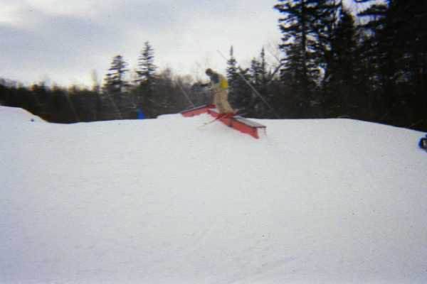 Tail pressin the flat gap