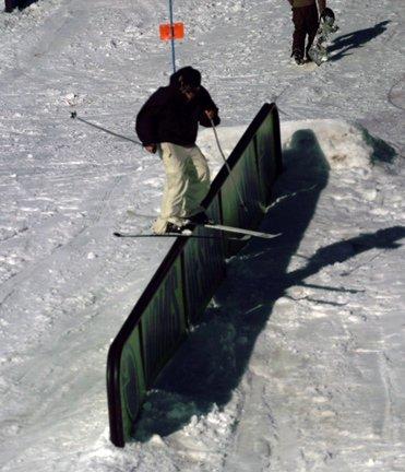 Nomis downhill rail