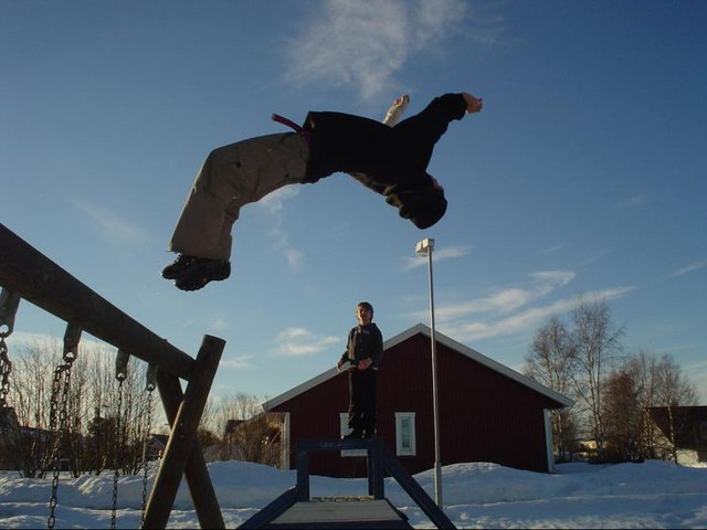 me doinga a bflip with my broken thumb as u can see