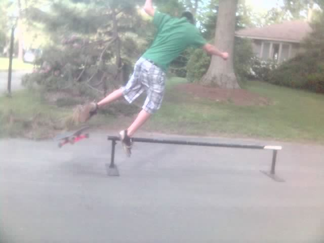 stupid fall on my skate rail (this is skateboarding not skiing)