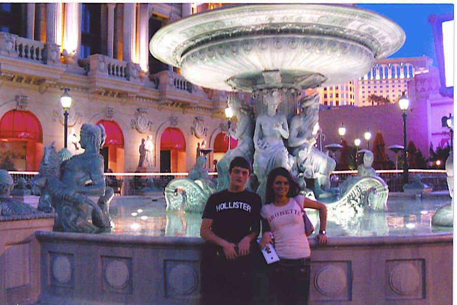Paris Fountain in Vegas