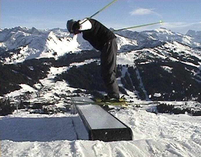 Nose press on the box