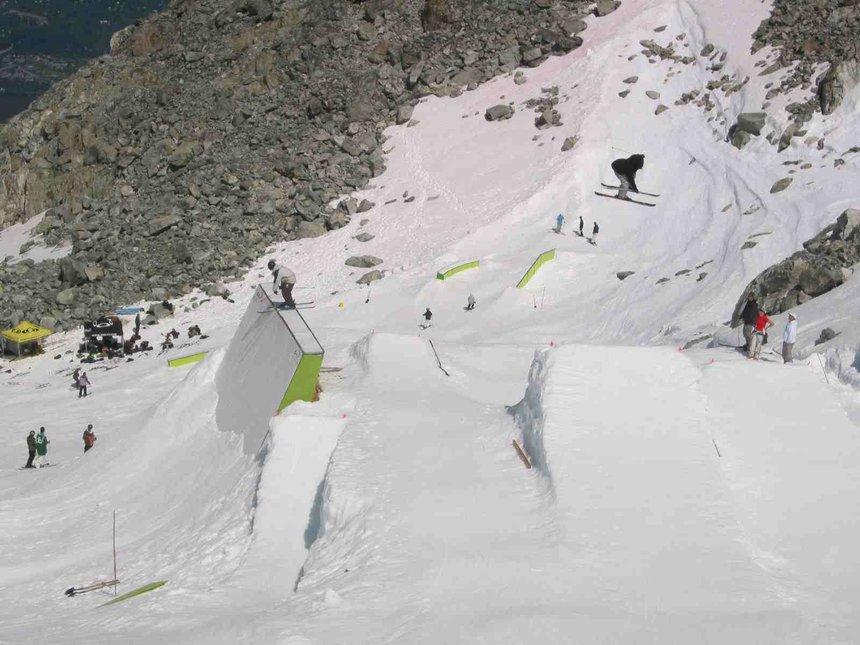 Momentum Ski Camp Wallride and Jump