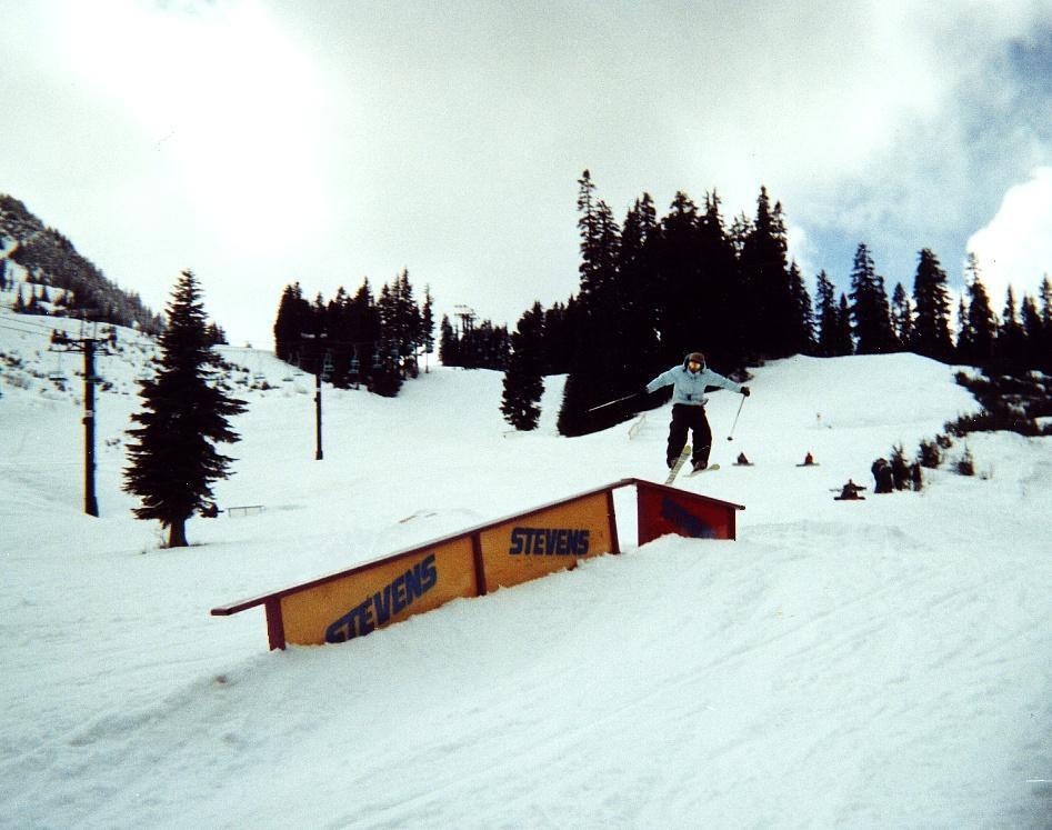 Ahhh, i want to do some rails and ski...ahhhhh