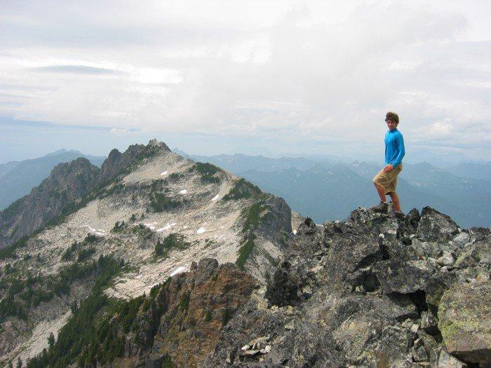 Me Summit of Gunn Peak, Gunshy in background