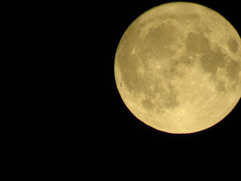 full moon picture from digi cam