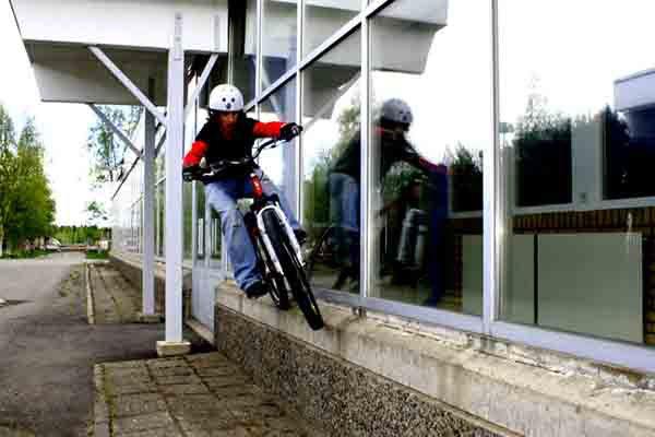 windowsill ride or something