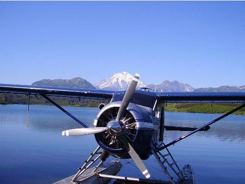 flying into bear lake on a float plane--------niceeeee alaskan day!