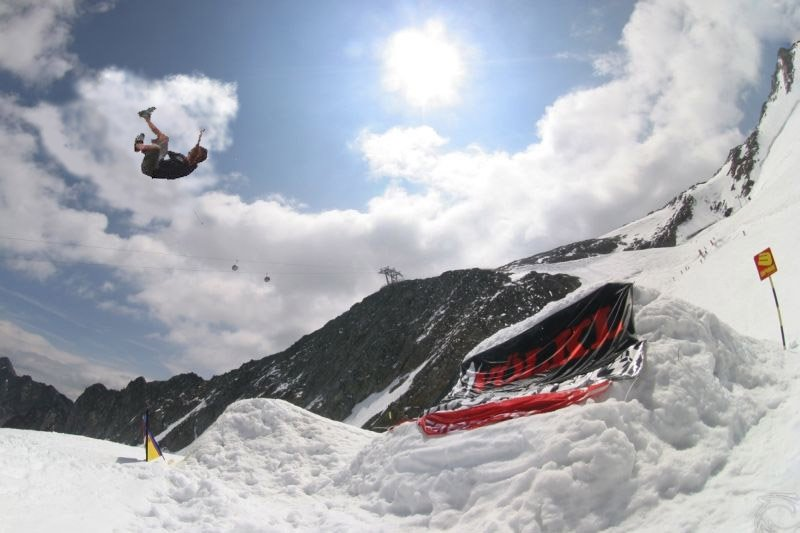 No Ski Mtn. Backflip 3!!! This shit is illz.  not photoshopped