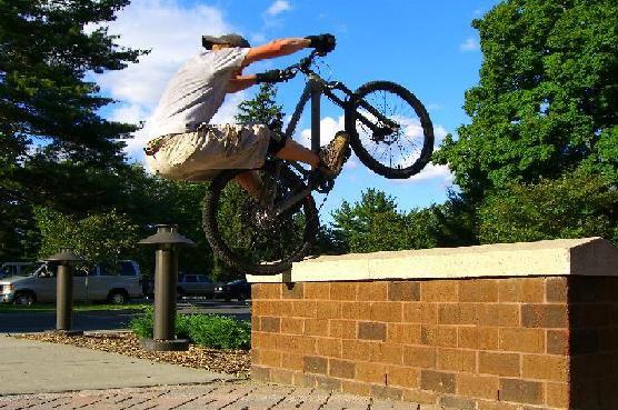 bike hop stall thing