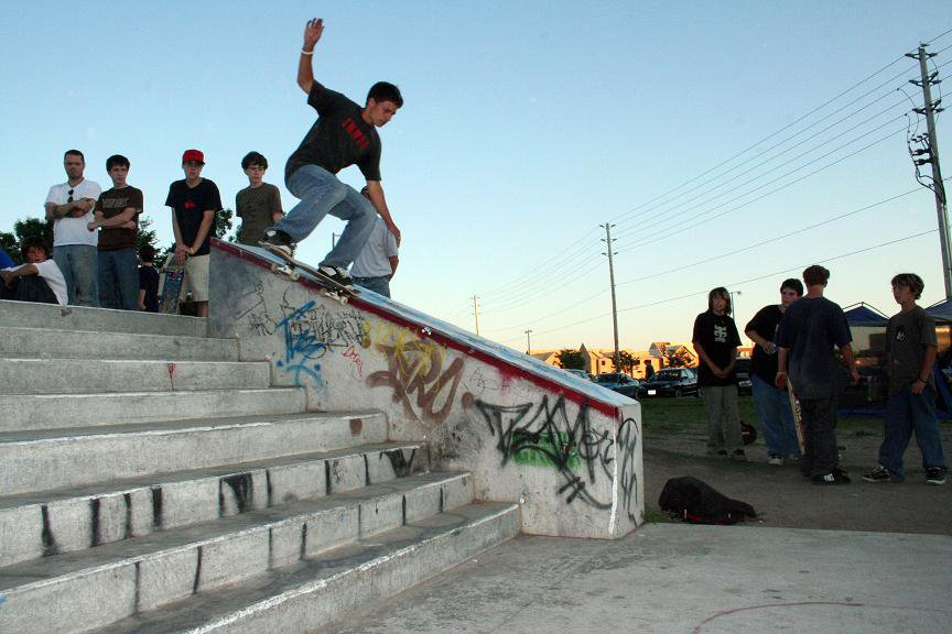 Noseslide at the comp...look one pic below for the trick done after this