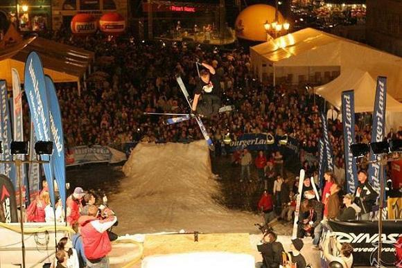 360 mute Night City Show
