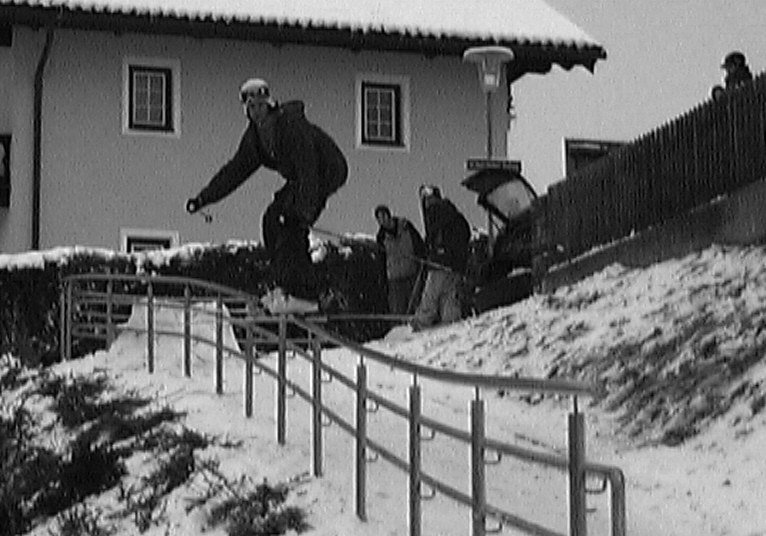 very long handrail (bad angle)