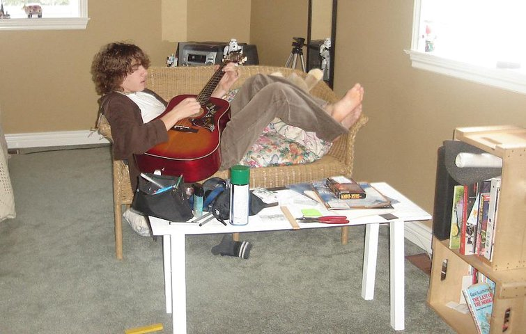 rich plays guitar, sister secretly tales picture