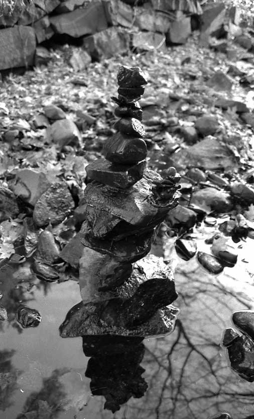rocks i piled