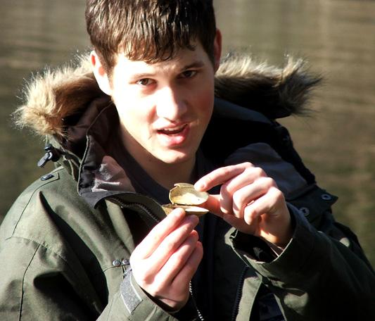 it's a talking clam
