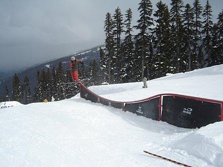 Teacup rail