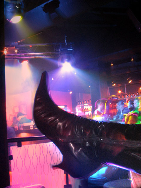 Minna's boot at a bar
