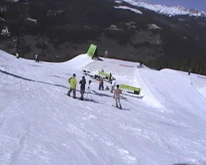 "Streakin ""SUPERPARK 10"" snowboard vid shoot"
