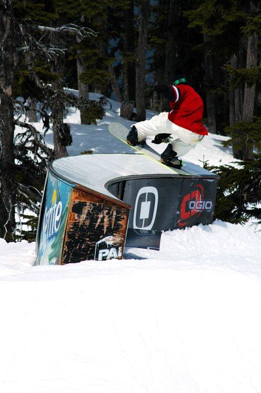 Snowboard: BS tailside, C box