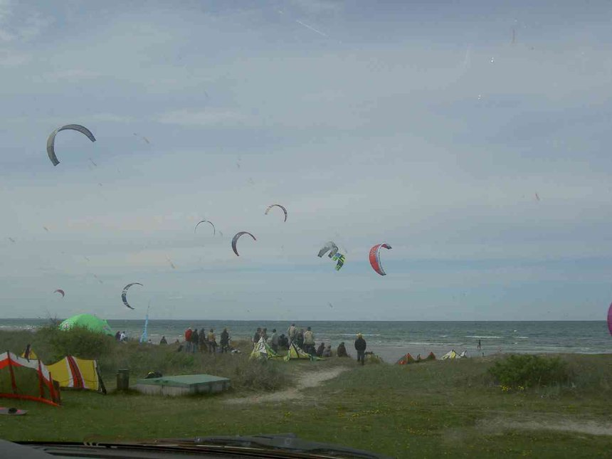 A day on the beach - Kitesurfing