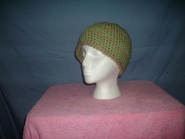 Light brown/moss striped beanie