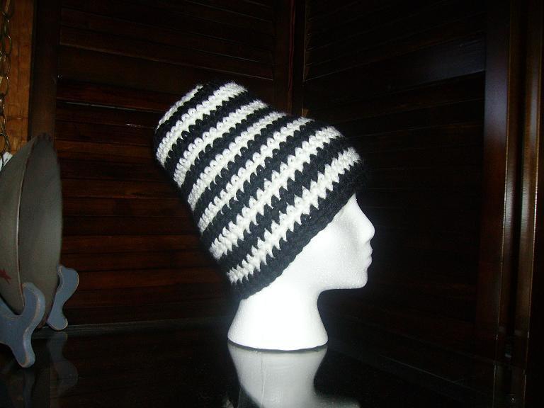Black and white dommer