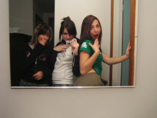 3 girls and a mirror