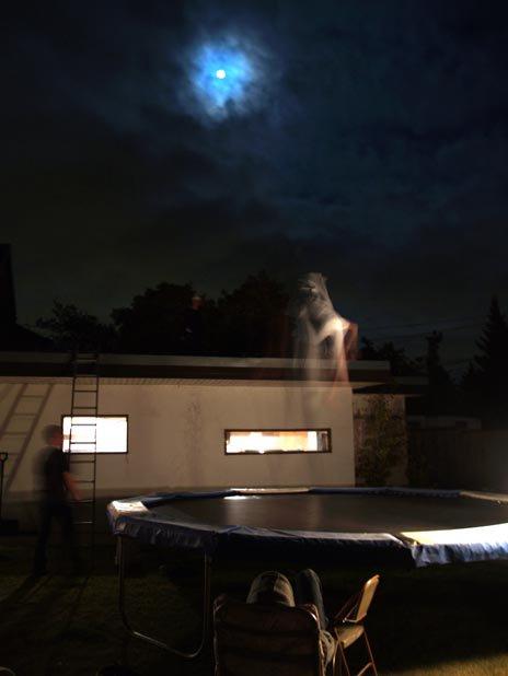 Full moon Tramp session