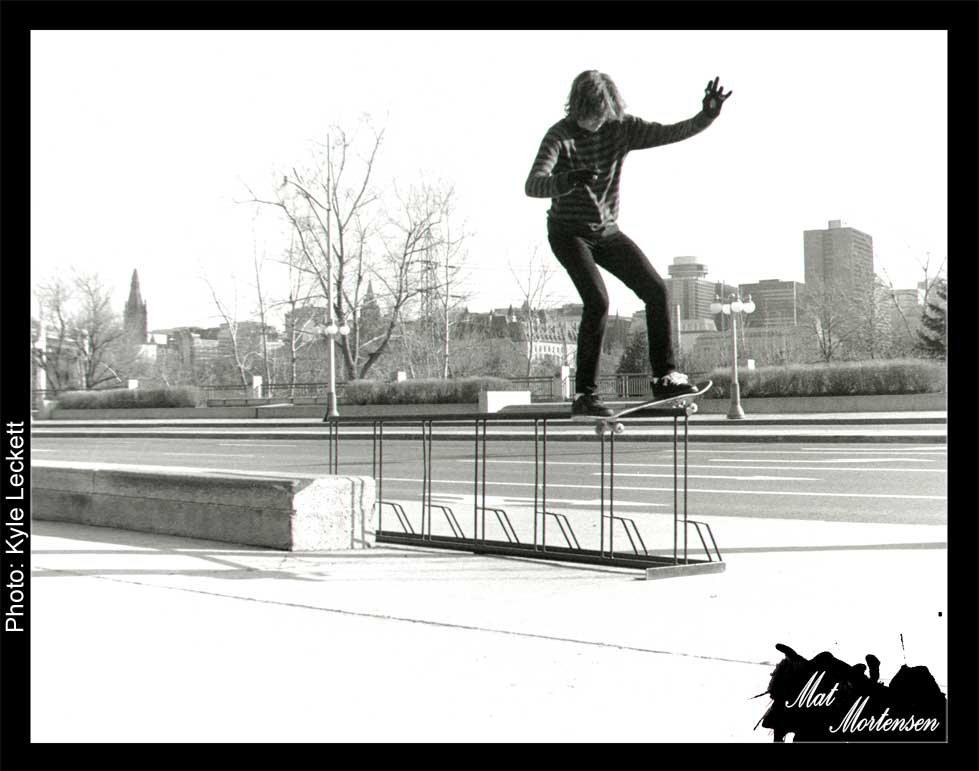 Mat. Boardslide